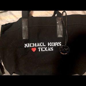 Michael Kors Bags - MK XL City Tote Loves Texas Black Goldstone Canvas 561d9a1cbd250